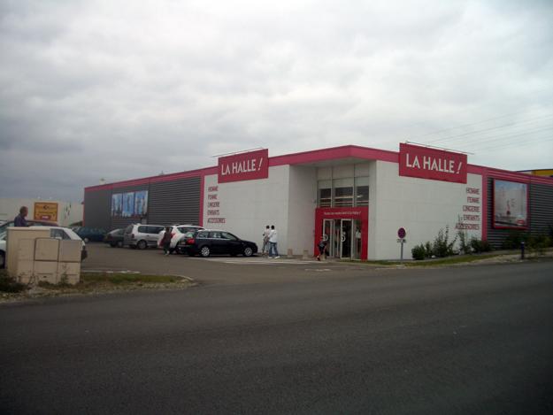 LA HALLE - MAYENNE - (53)