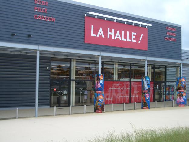 LA HALLE - VITRE (35)